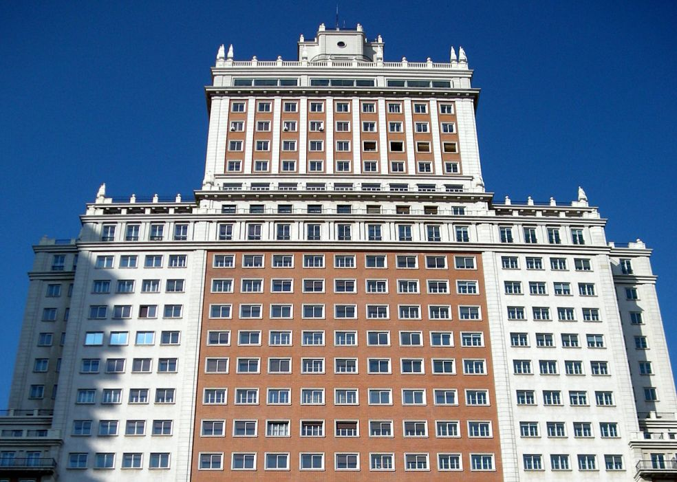 1280px-edificio_espana_madrid_01